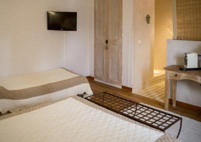 La Fenière, chambre d'hôte tout confort entre Arles et Avignon
